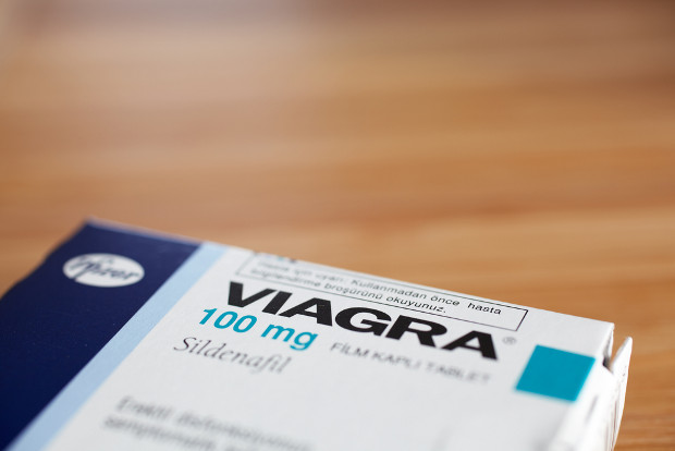 Pfizer profits hit by Viagra patent expiration
